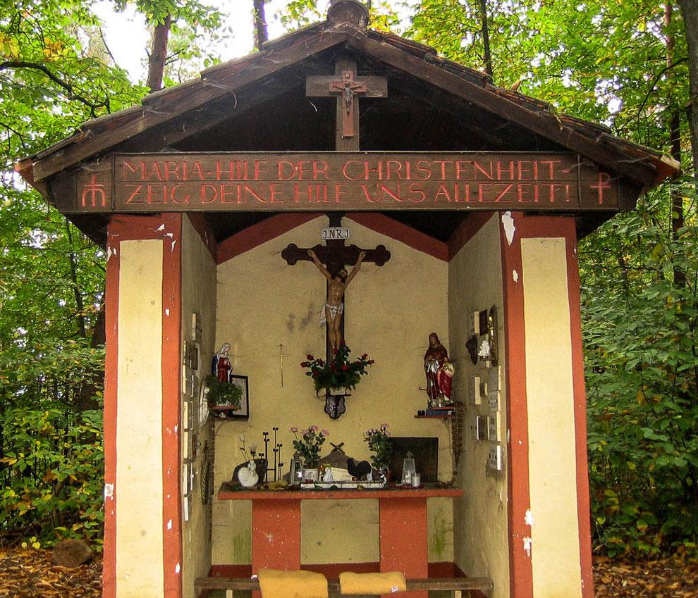 Kleine Rast an der Kapelle oberhalb von Biewer