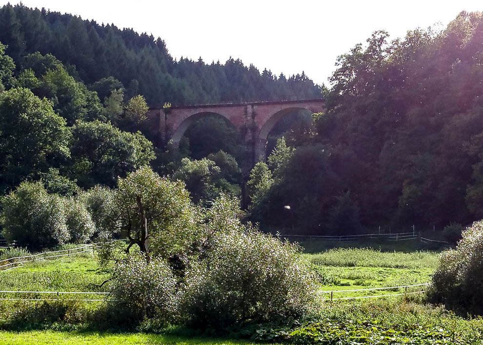 Geisfelder Viadukt, über welches die Hunsrück-Bahn früher fuhr.