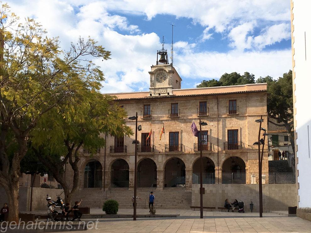 Das Rathaus von Dénia
