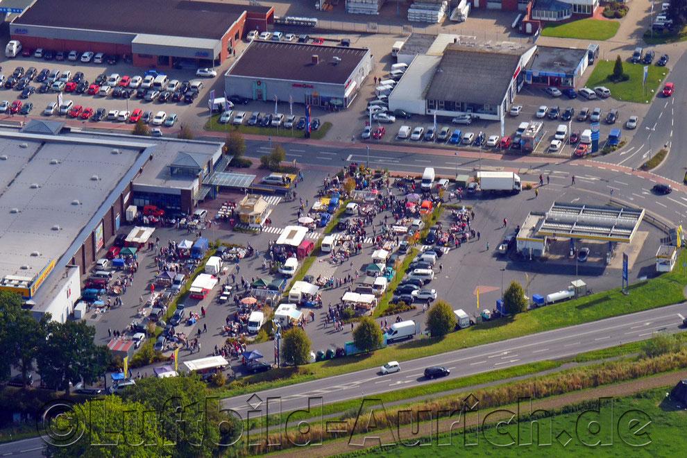 Flohmarkt in Aurich beim Parkkauf