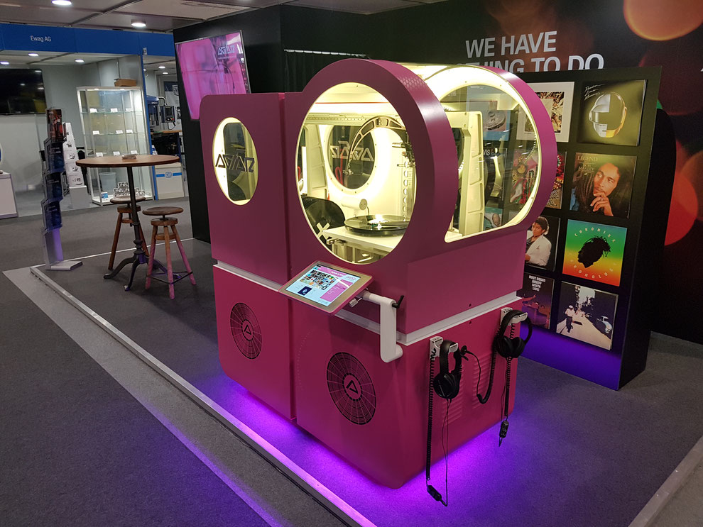 Pink AGFAR Jukebox Robot EPHJ 2018
