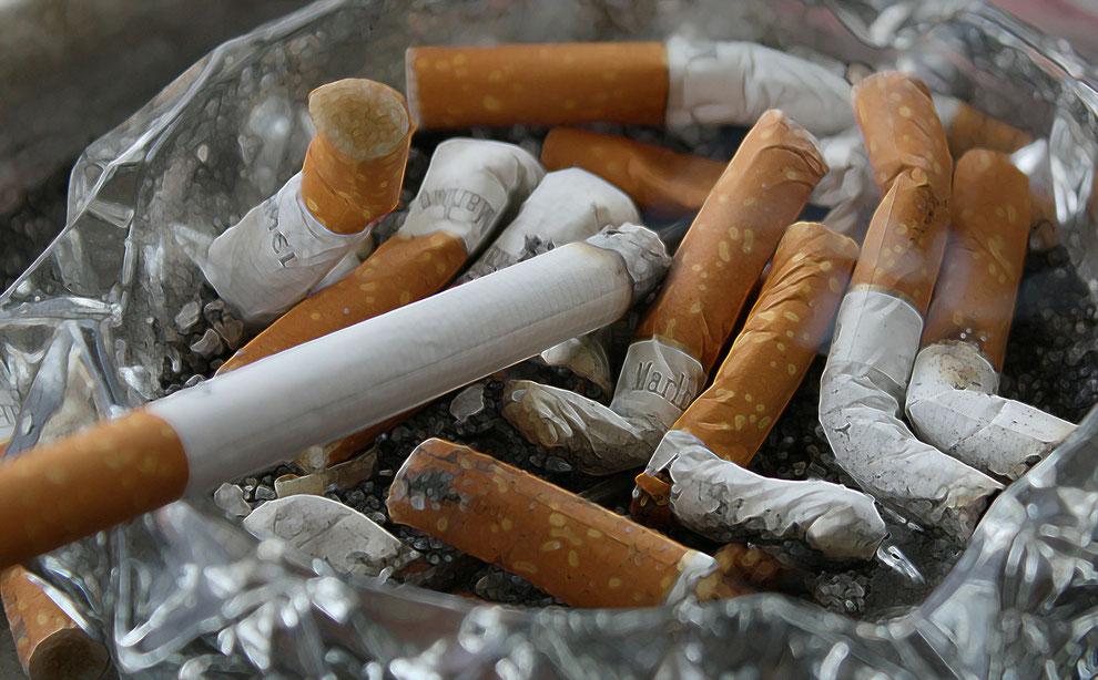 Rauchgeruch entfernen Tabakgeruch entfernen Raucherwohnung Geruch entfernen