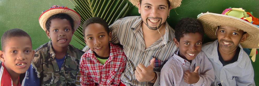 streetworker, streetfood, food truck, fundraising, crowdfunding, hilfsbedürftige kinder, soziales engagement, kinderarbeit, danke, beten, srassenkinder brasilien,