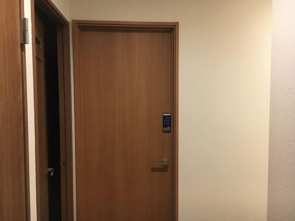 デジタルロック取り付け後のドア