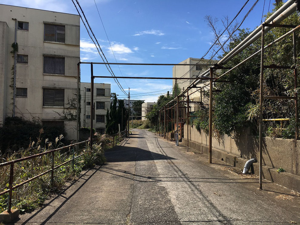 池島東浴場付近の廃墟