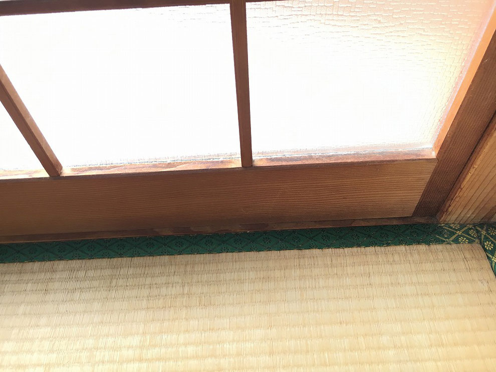工事前の引戸の室内側からのアップ