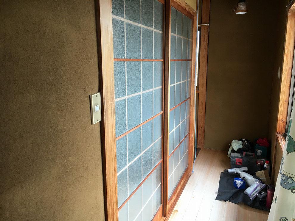 ガラス付きの施工前の写真