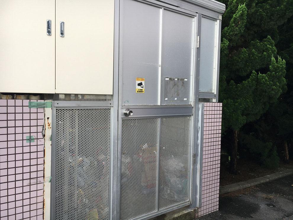 ゴミ置き場のドア取り付け後その3