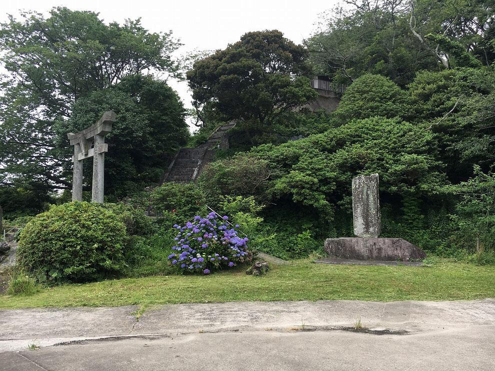 糸島市の鎮懐石八幡宮の写真