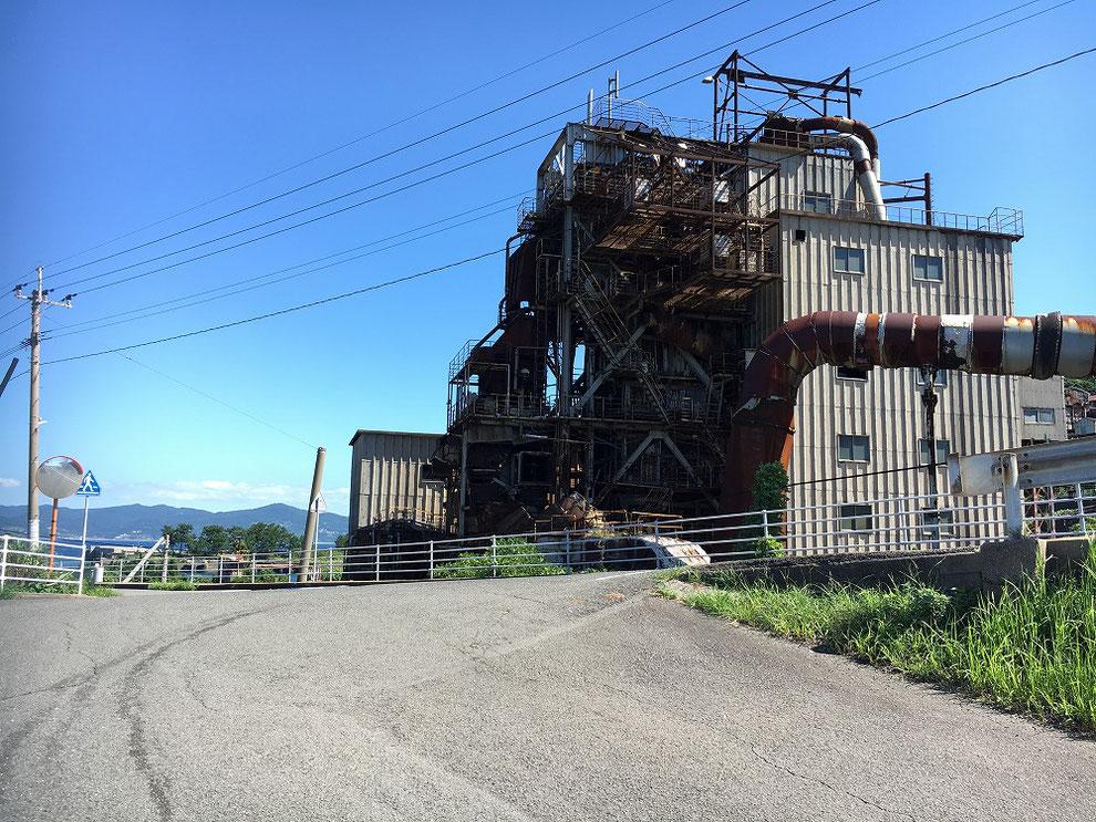池島の火力発電所の廃墟