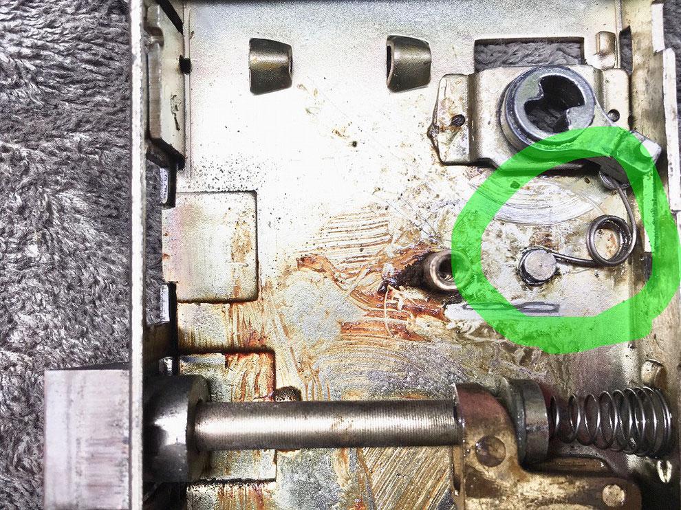 錠ケース内部の写真