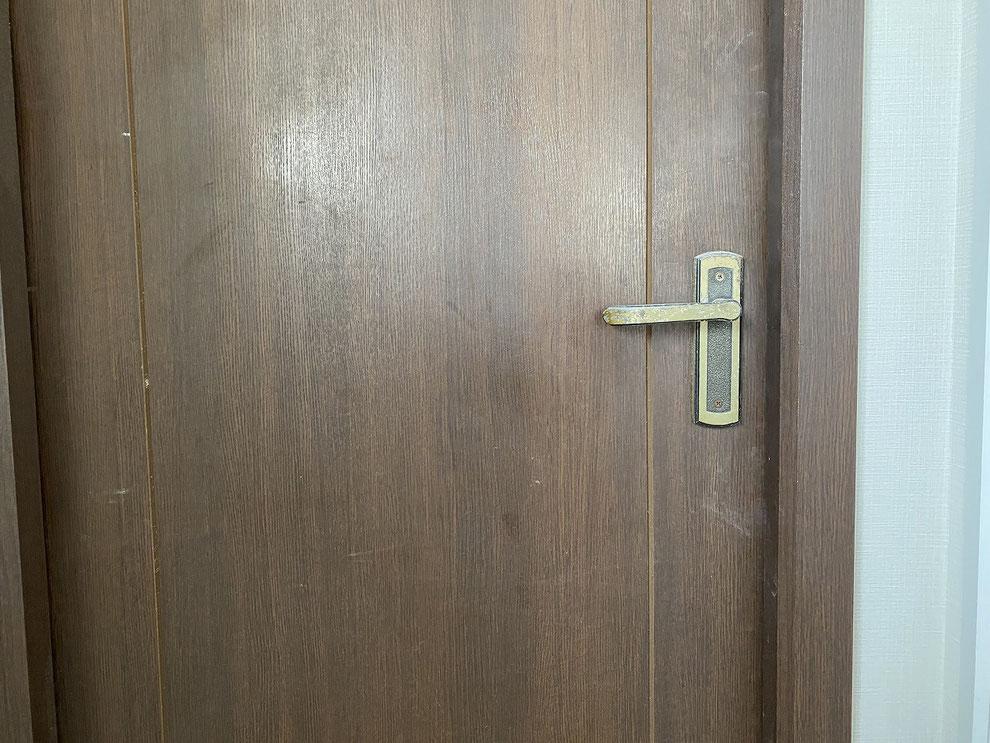 取替前の室内レバーハンドル錠(洋室)その1