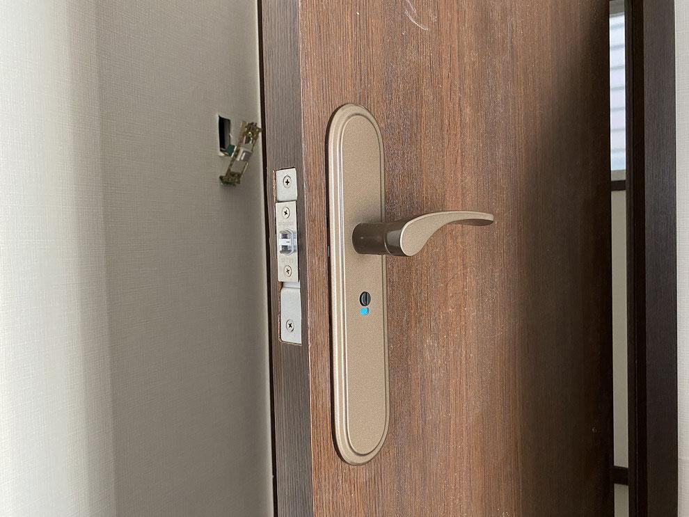 取替後の室内レバーハンドル錠(トイレ)その2