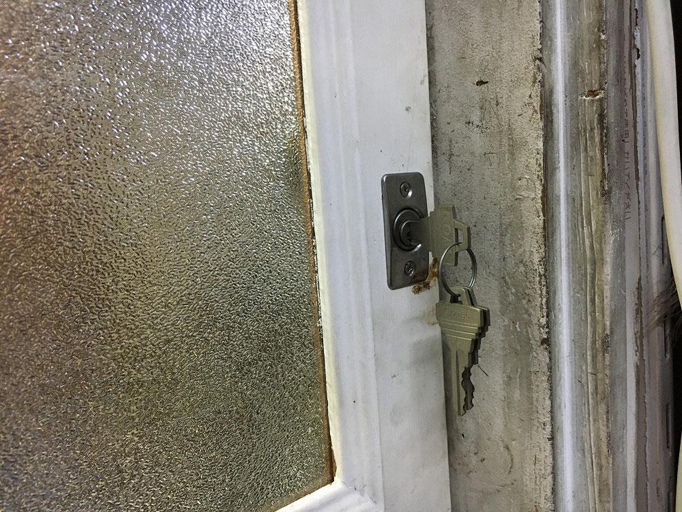 面付鎌錠の鍵