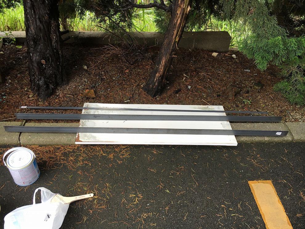 アルミのドア枠を強化するためのアングル鋼材