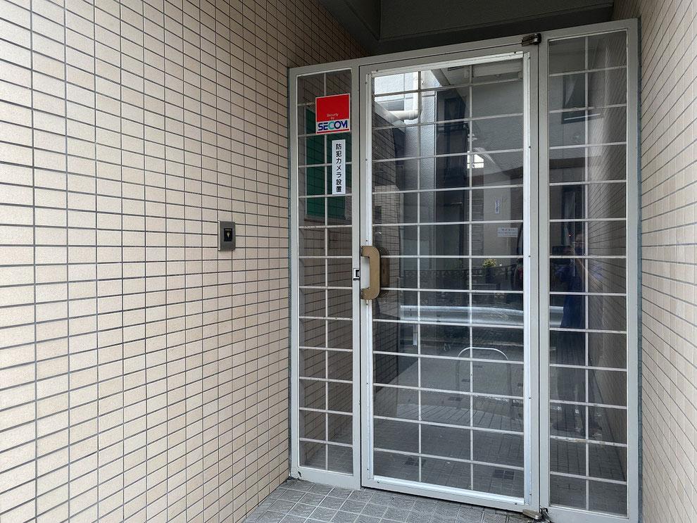 マンションの共用部ドア