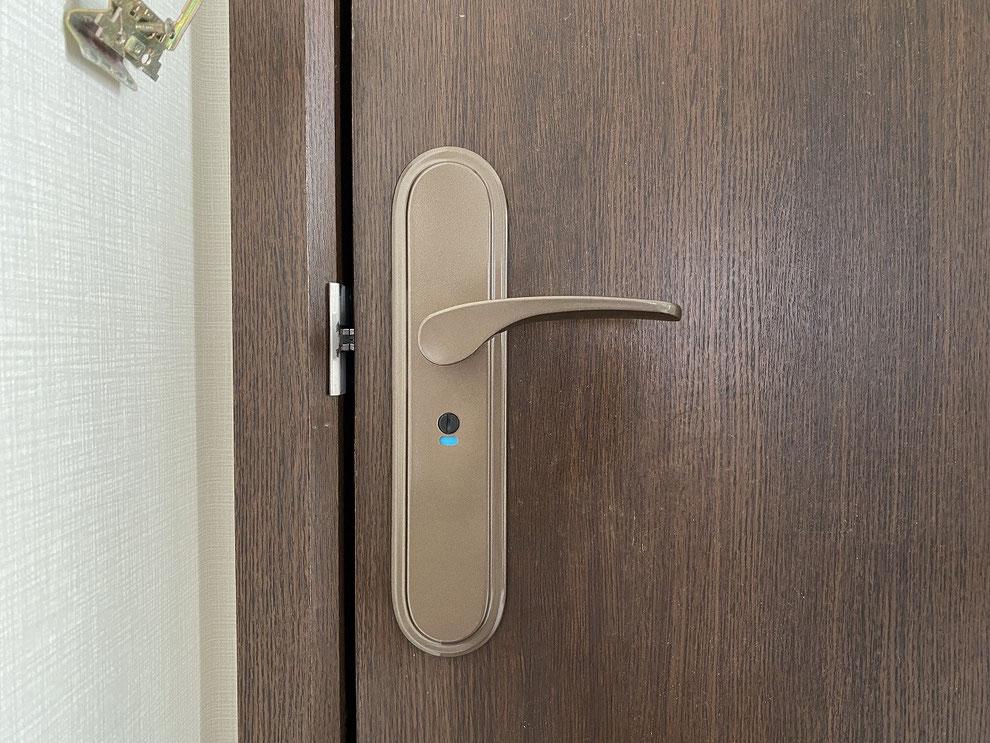 取替後の室内レバーハンドル錠(トイレ)その1