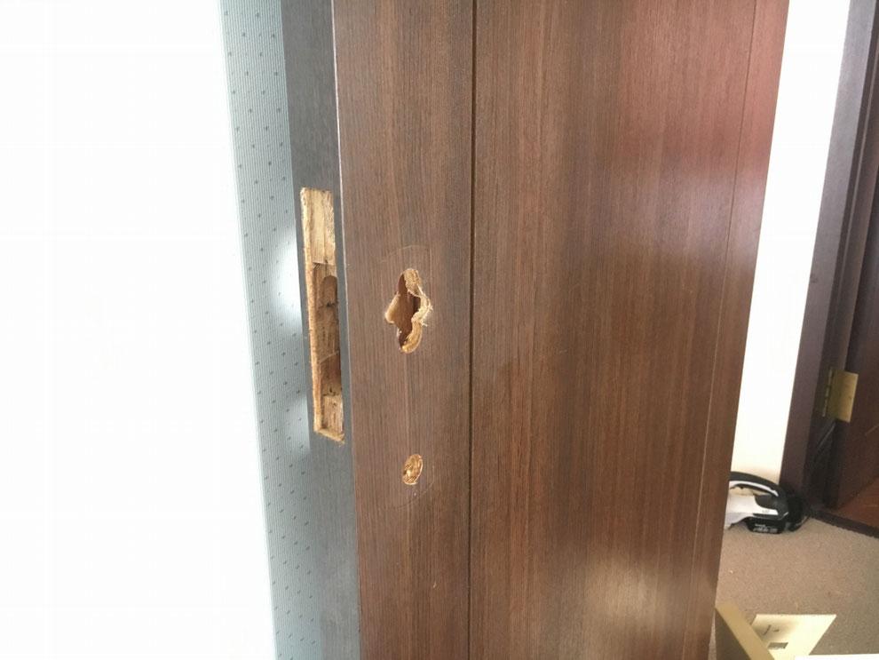 筑紫野市室内錠・新たに作った切り欠き穴