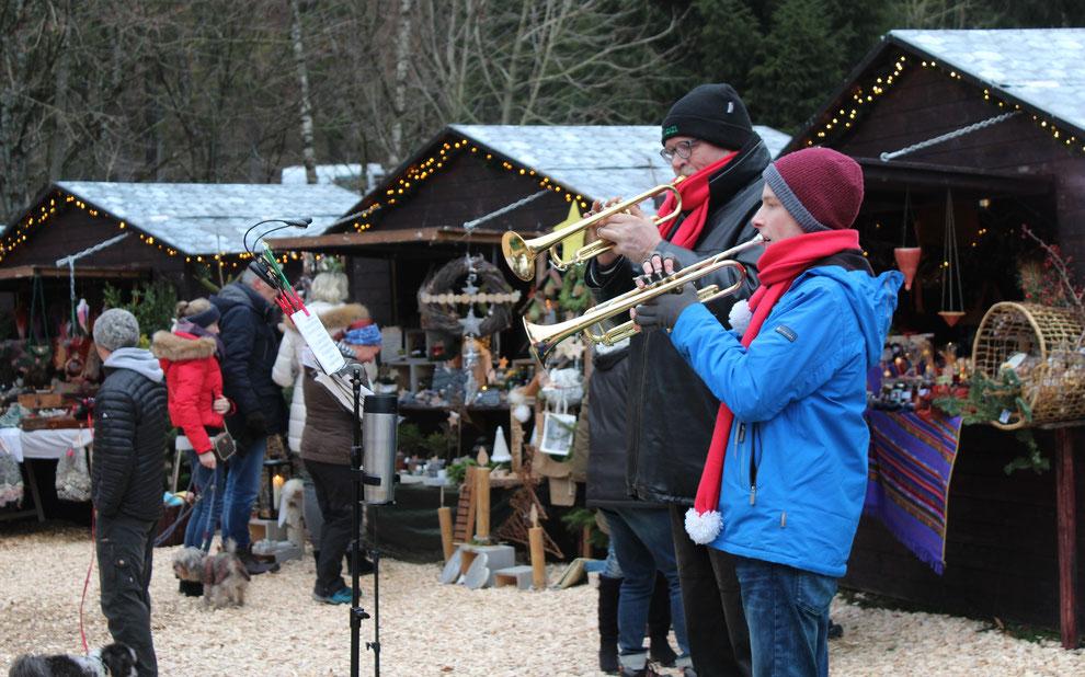Waldweihnachtsmarkt an der Hiebammenhütte - eine wunderschöne Winterwanderung von 6 km einfache Strecke von den Häusern am Wald