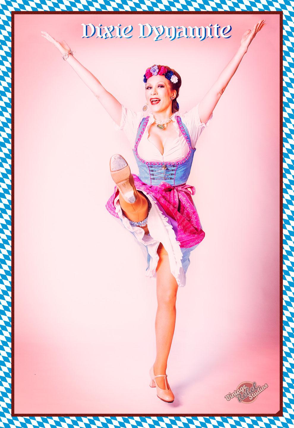 Steptanz mit Silvia Plankl, Steptänzerin aus München, Bayern, Deutschland. Steptanz-Shows buchen, Motto bayrischer Abend, Oktoberfest, Tracht etc.