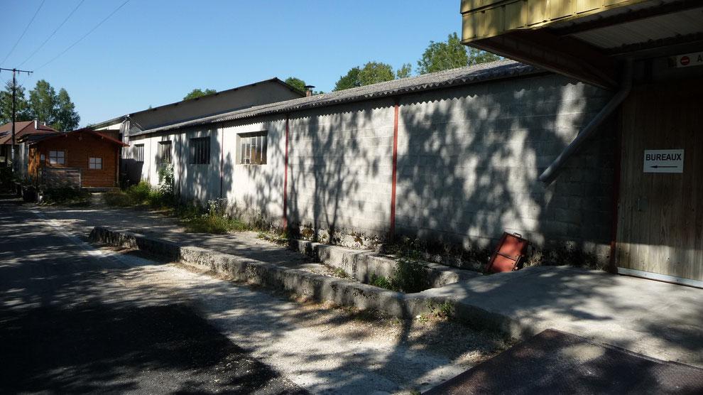Tabletterie bois, échelles en gros, abris de jardin