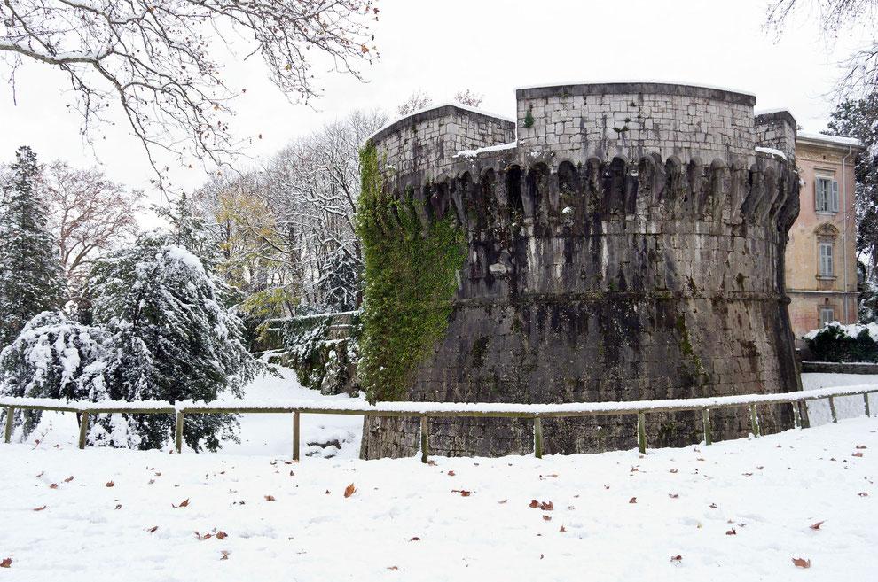 Gradisca d'Isonzo_Torrione della Campana sotto la neve (Fotografia di Mario Pierro)