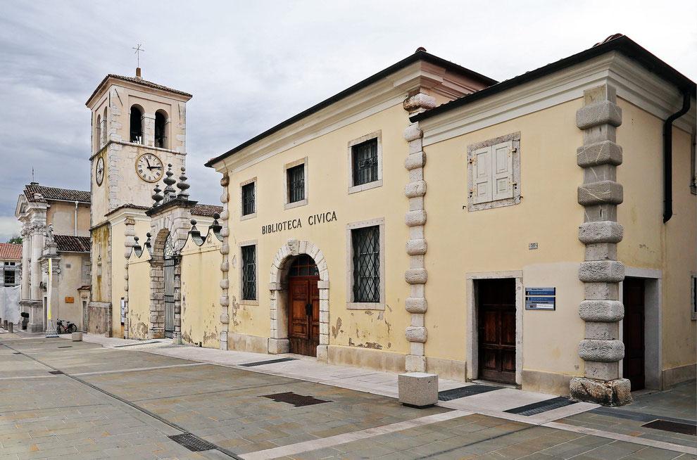 Gradisca d'Isonzo_Duomo e parte posteriore di Palazzo Torriani (Fotografia di Mario Pierro)