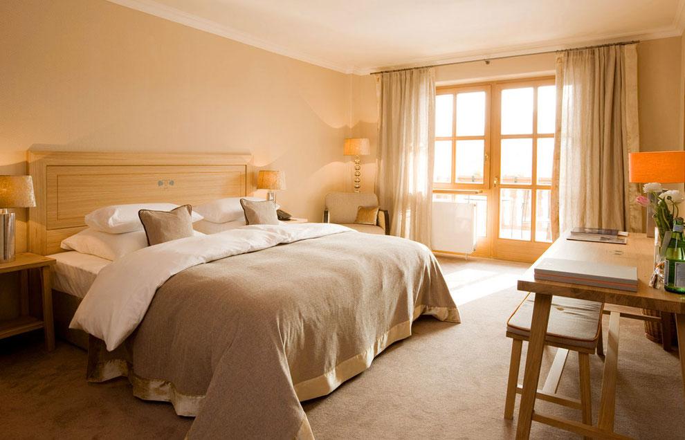 Hotelzimmer, komplette Möblierung