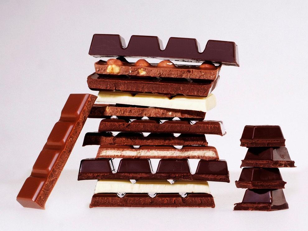 Schokoladesorten: Bitterschokolade, Milchschokolade und weiße Schokolade