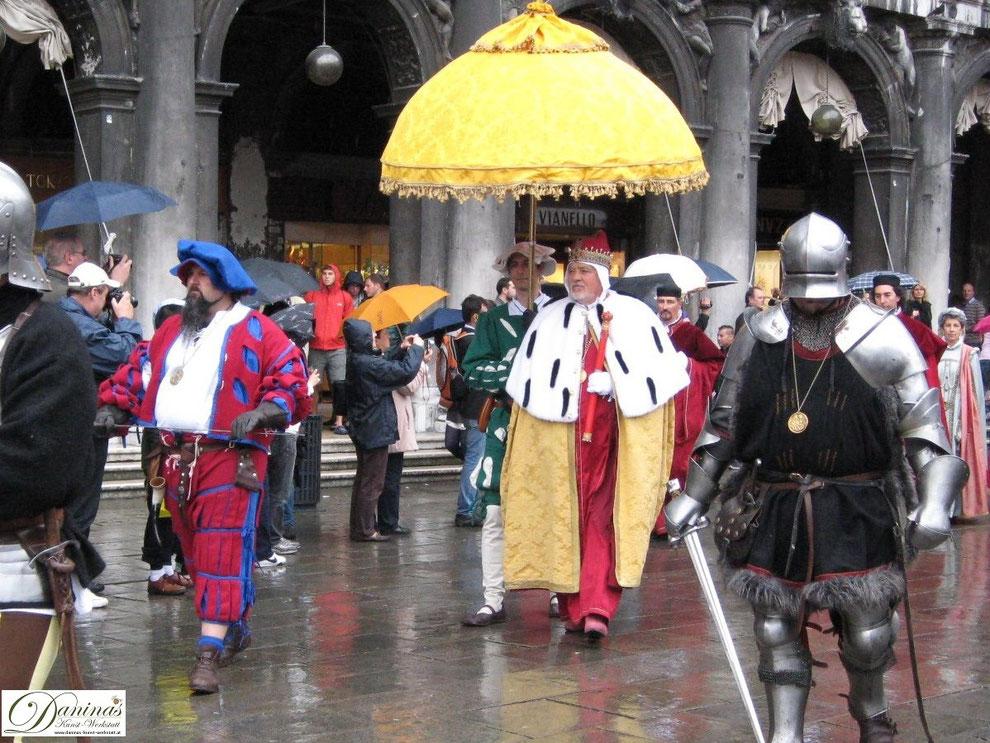 Venedig - Historischer Umzug am Markusplatz