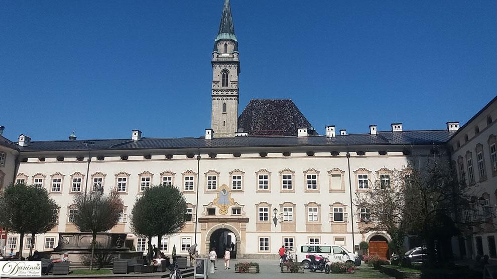 Salzburg, Kloster St. Peter ist die älteste durchgängig bestehende Benedektiner-Abtei auf deutschem Boden.