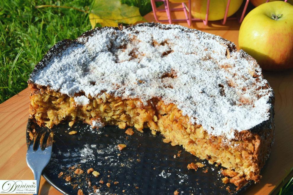 Saftiger Apfel-Haferflocken-Kuchen