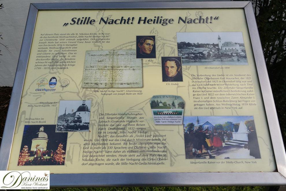 """Entstehungsgeschichte des Weihnachtsliedes """"Stille Nacht. Heilige Nacht."""" Tafel bei der Stille Nacht Kapelle in Oberndorf bei Salzburg"""