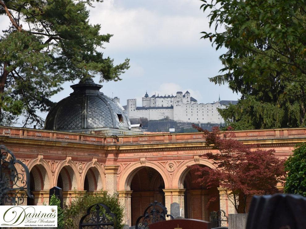Salzburger Kommunalfriedhof - wunderschöner Blick zur Festung Hohensalzburg