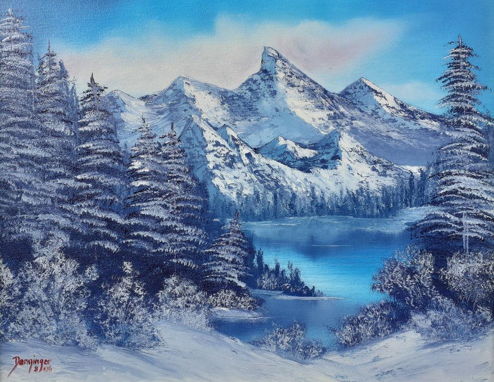 Winter Schnee in den Bergen, Öl auf Leinwand. Landschaftsgemälde by Daninas-Kunst-Werkstatt. Das in kalten Farben gemalte Naturbild eignet sich hervorragend für Ihr Schlafzimmer. Welche Farben in welchem Zimmer? Mehr Infos auf meiner Website …