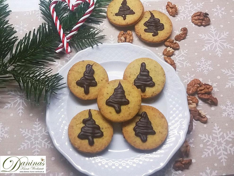 Linzer Plätzchen - traditionelle Weihnachtsbäckerei