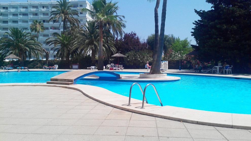 sehr schöner Pool in Ferienwohnung auf Mallorca. Zu vermieten.