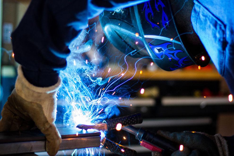 SOMMER Industrieservice aus Löchgau - Schweißarbeiten, Lohnschweißen, Schweißen WIG & MAG. Reparaturen, Fertigung von Einzelteilen etc. www.wig-sommer.de