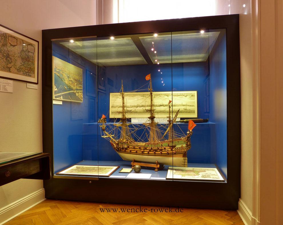 Wappen von Hambug I. (maßstabsgetreues Schiffsmodell von Herbert Rowek)
