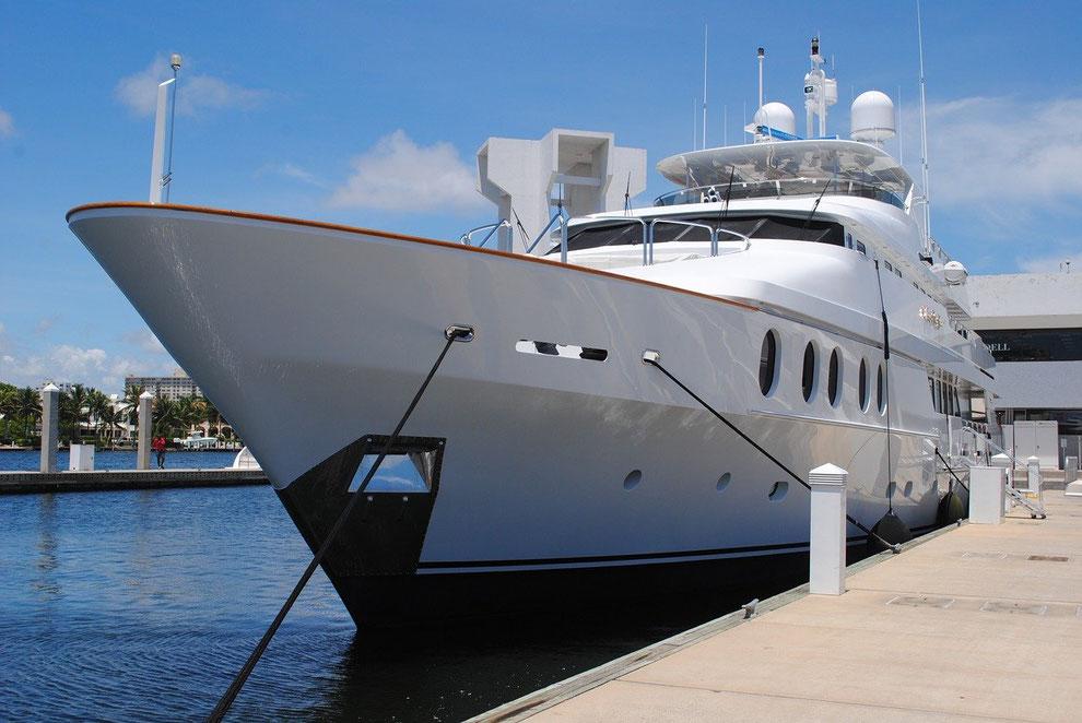 Hochvermögenden-Yacht als Treffpunkt für Family Office Events