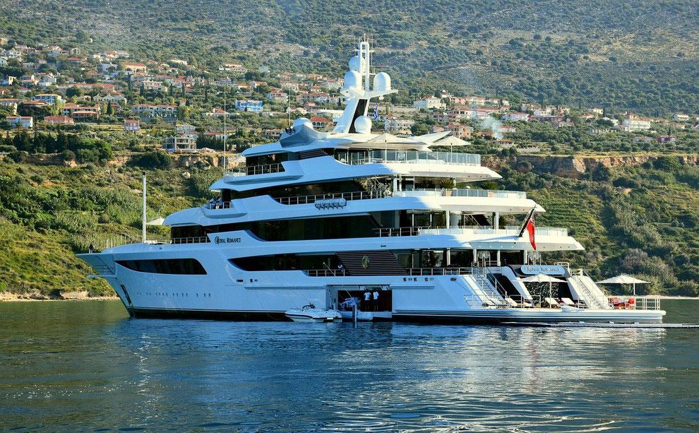 Megayacht_Superyacht_reiche Besitzer_Lifestyle