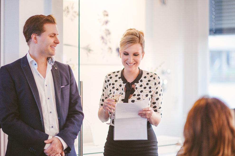 Ihre Dermatologin Daniela Billep und Praxismanager Marco Billep auf der Eröffnungsfeier der Hautarztpraxis und Galerie