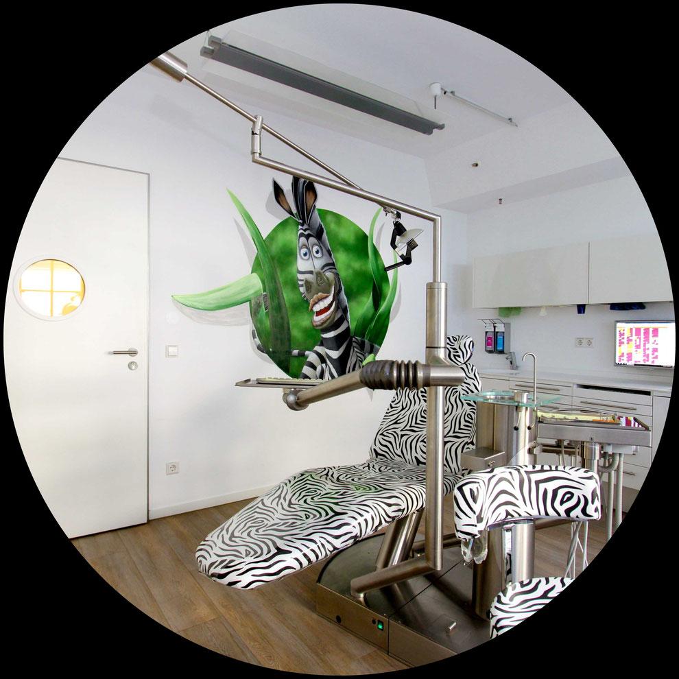 Wandmalerei in der Zahnarztpraxis