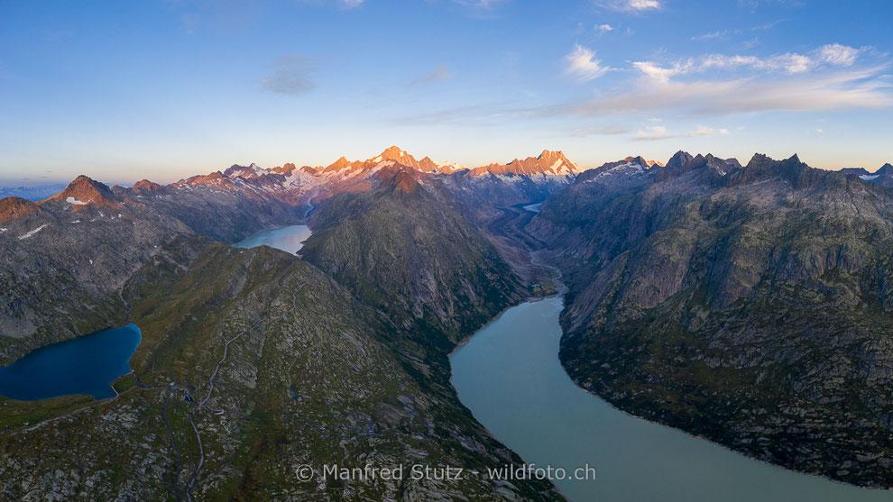 Zervreilasee mit der Staumauer und dem Zervreilahorn im Hintergrund, Valsertal, Kanton Graubünden