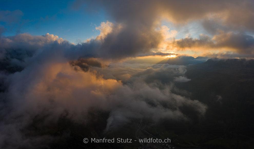 Zwischen den Wolken über dem Kanton Uri