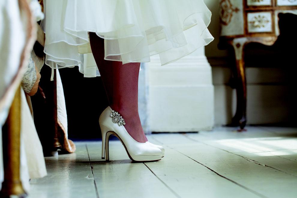 Brautschuhe mit Schuhclips seitlich angebracht