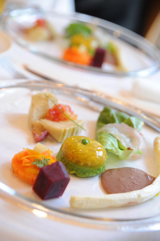 旬の野菜 体に優しいヘルシー野菜のフランス料理です。北海道の食材を吟味したおもてなし