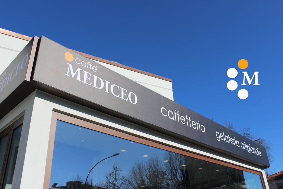 particolare esterno caffè mediceo borgo san lorenzo