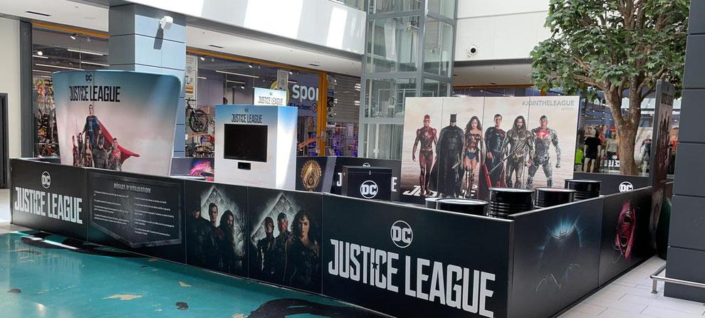 exposition justice league superman batman Wonder Woman Warner officielle centre commercial