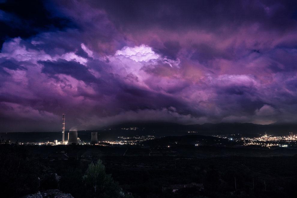 Nuit orageuse sur la centrale thermique de Gardanne - Aix en provence - Enzo Fotographia - Enzo Photographie